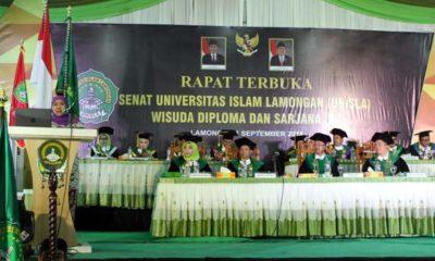 Gubernur Jawa Timur (Jatim) terpilih, Khofifah Indar Parawansa saat orasi ilmiah di hadapan 1.143 wisudawan Unisla