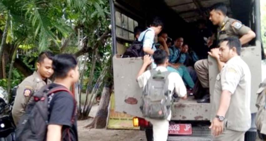 Cangkruk di Warkop Saat Pelajaran Berlangsung, 26 Pelajar Ditangkap Pol PP Lamongan