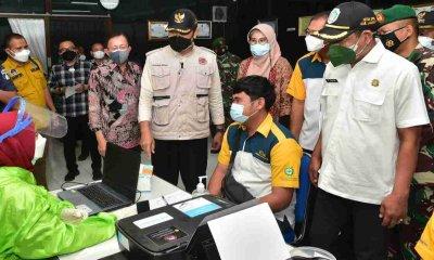 Bupati dan Ketua DPRD Lamongan Tinjau Pelaksanaan Vaksinasi Gotong Royong PT KTM